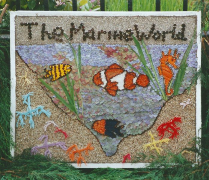 Etwall 2000 - Mill Meadow Way Children's Well Dressing