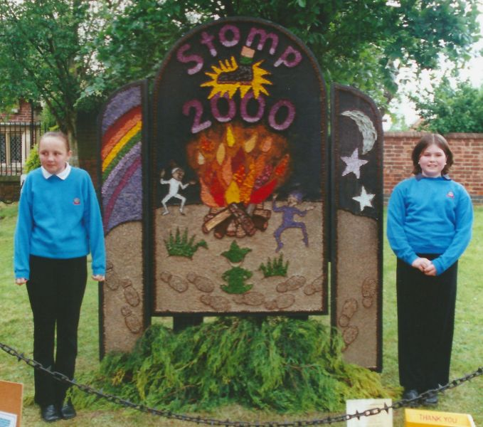 Etwall 2000 - Guides Well Dressing