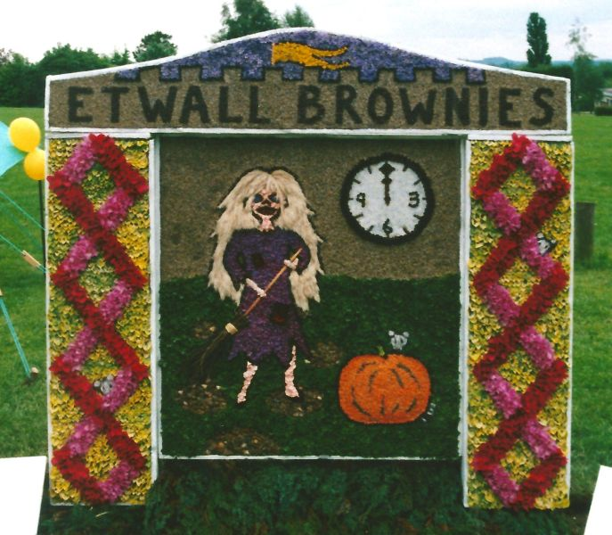 Etwall 2000 - Brownies Well Dressing