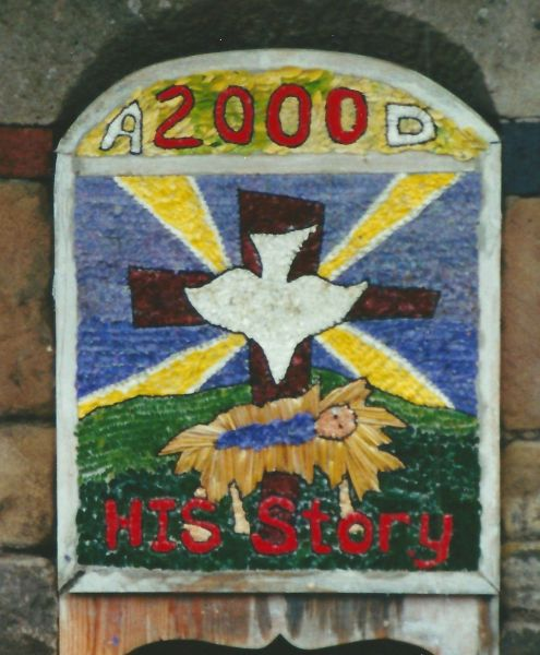 Starkholmes 2000 - St Giles' School Well Dressing