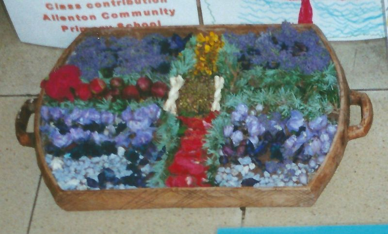 Derby 2000 - Allenton Community Primary School Well Dressing (2)