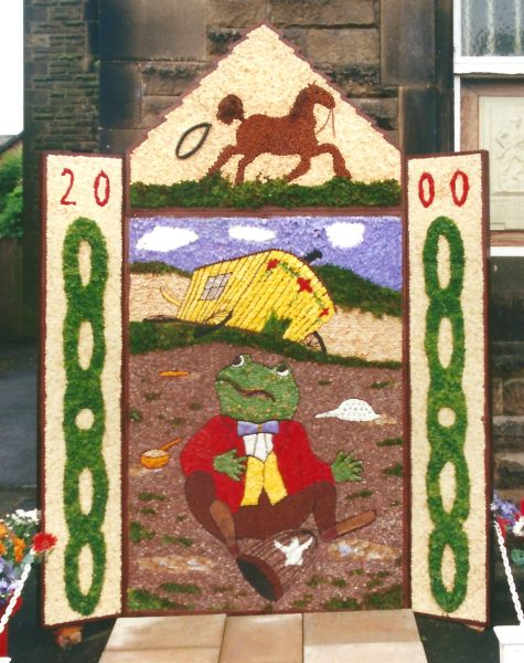 Chapel-en-le-Frith 2000 - Town Well Dressing