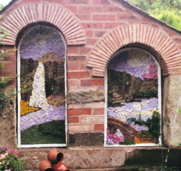 Heath 2000 - Old Reading Room Well Dressing