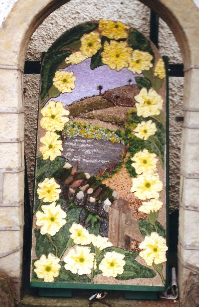West Hallam 2000 - Jane & Friends Well Dressing