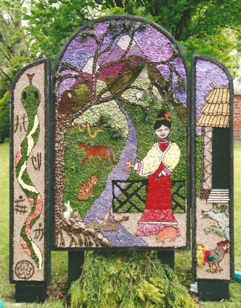 Etwall 2001 - Guides' Well Dressing