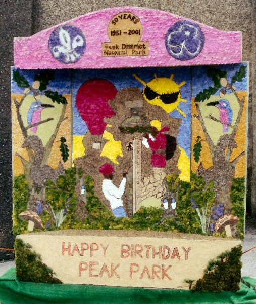 Wirksworth 2001 - Scouts & Guides Well Dressing
