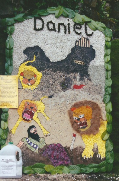 Matlock Bath 2001 - The Fishpond Well Dressing