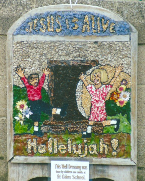 Starkholmes 2001 - St Giles' School Well Dressing