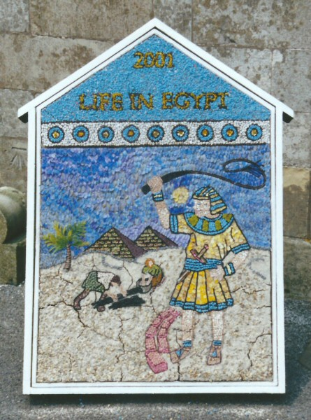 Elmton 2001 - St Peter's Church Well Dressing