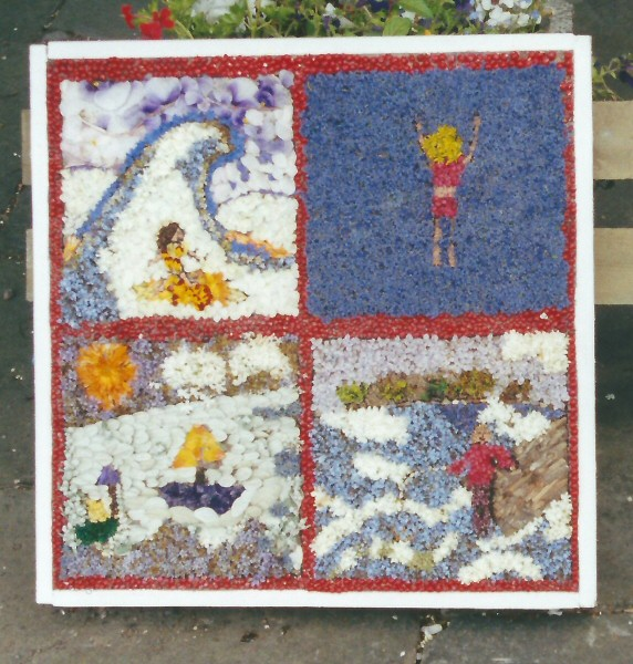 Penistone 2001 - Hoylandswaine School Well Dressing
