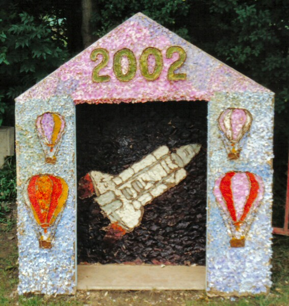 Holymoorside 2002 - Children's Well Dressing
