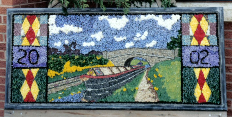 Waingroves 2002 - Well Dressing (2)