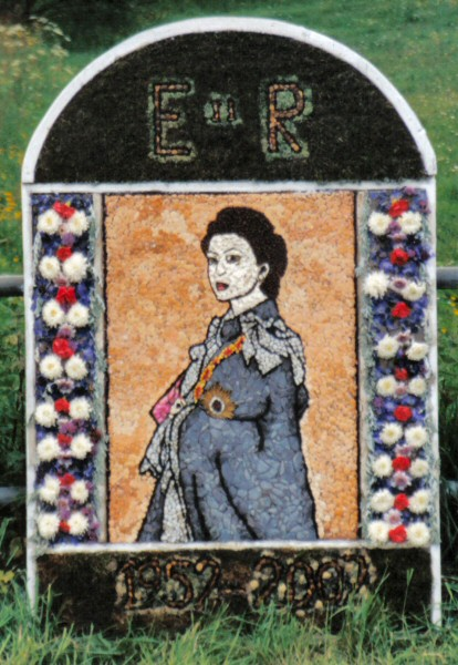 Brackenfield 2002 - Wessington School Well Dressing