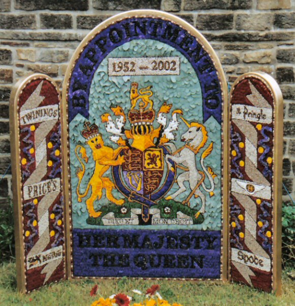 Chapel-en-le-Frith 2002 - Bowden Lane Well Dressing