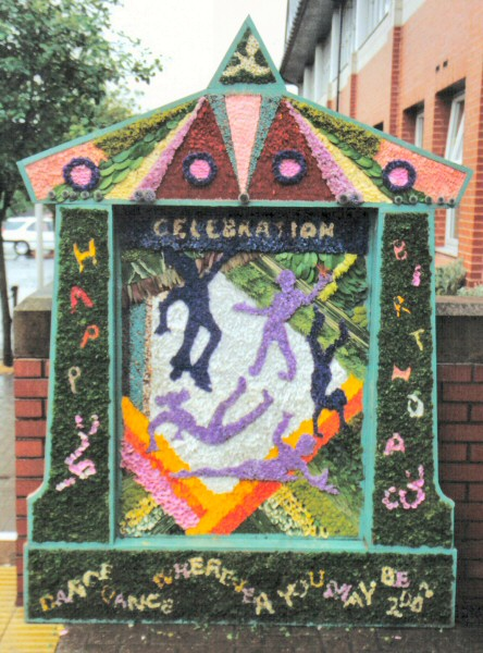 Bolsover 2002 - Council Offices Well Dressing