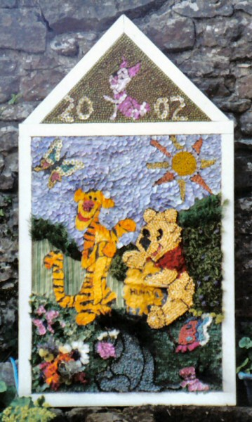 Little Longstone 2002 - Children's Well Dressing