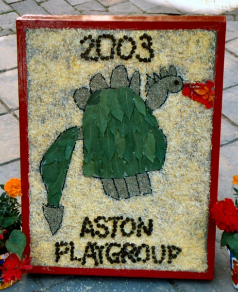 Aston-upon-Trent 2003 - Playgroup Well Dressing