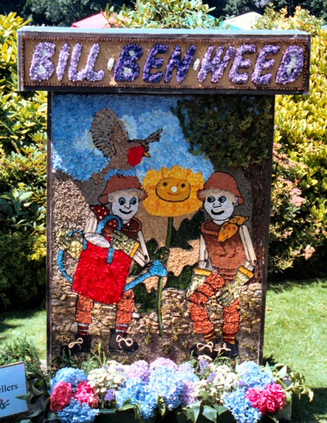 Belper 2003 - The Revellers Well Dressing