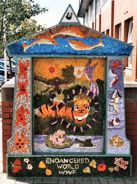 Bolsover 2003 - Council Offices Well Dressing