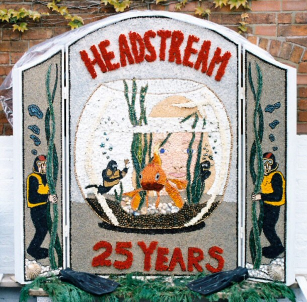 Etwall 2003 - Hawk & Buckle Inn Well Dressing
