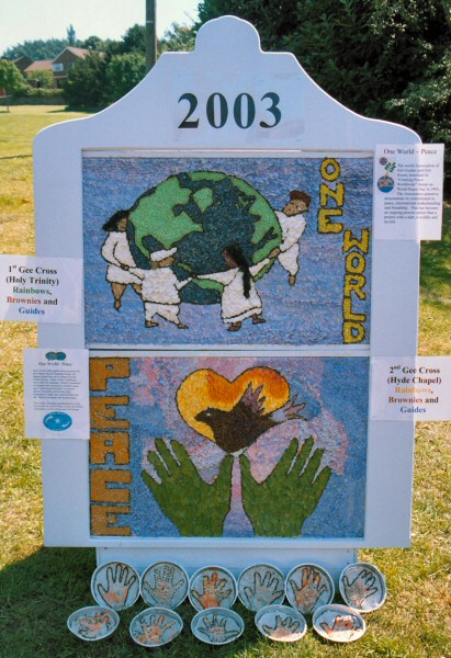 Gee Cross 2003 - Rainbows, Brownies & Guides Well Dressing