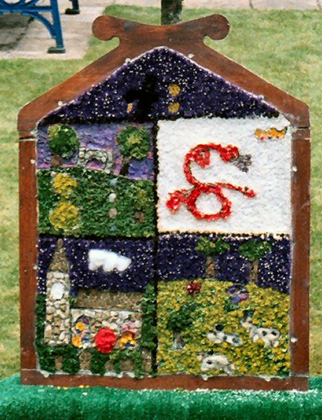 Wirksworth 2003 - Infant Schools Well Dressing (1)
