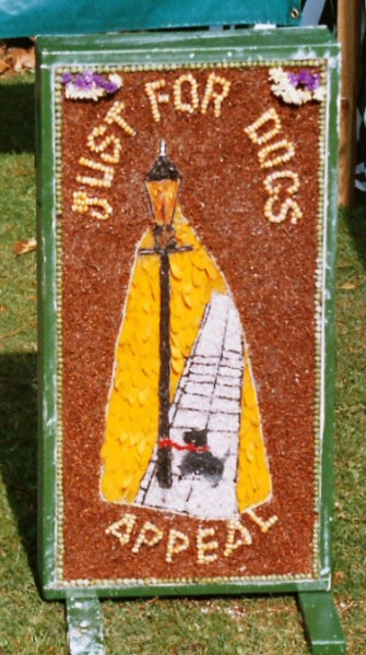 Belper 2004 - Just for Dogs Well Dressing