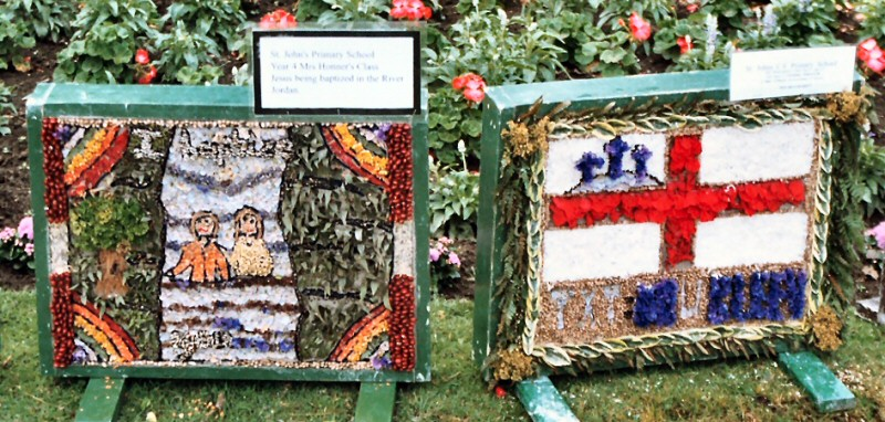 Belper 2004 - St John's C of E Primary School Well Dressing (8 - 9)