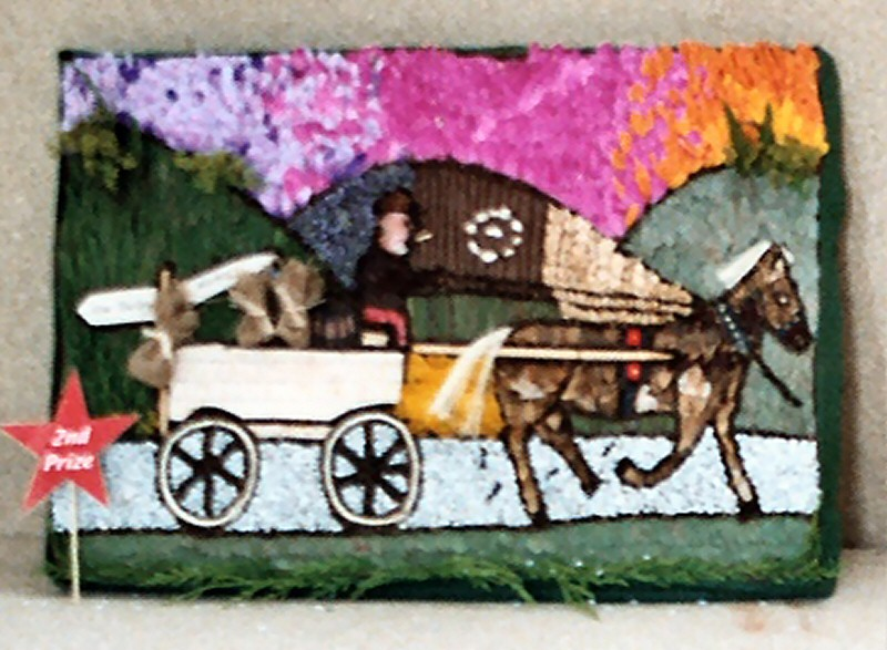 Derby 2004 - Reigate Primary School Years 1 &amp 2 Well Dressing