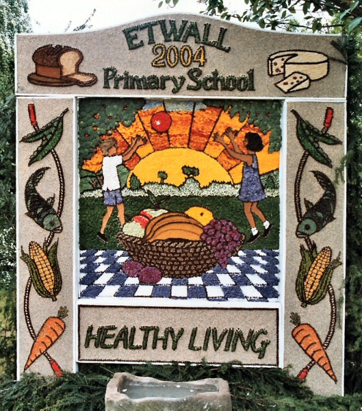 Etwall 2004 - Primary School Well Dressing