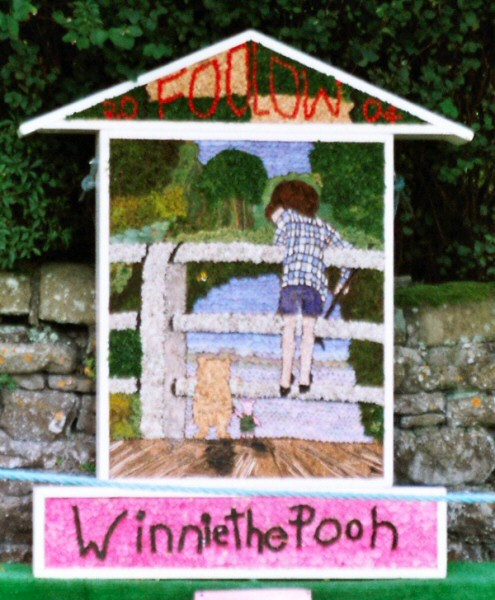 Foolow 2004 - Children's Well Dressing