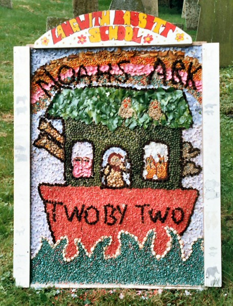 Upper Langwith 2004 - Langwith Bassett Primary School Well Dressing