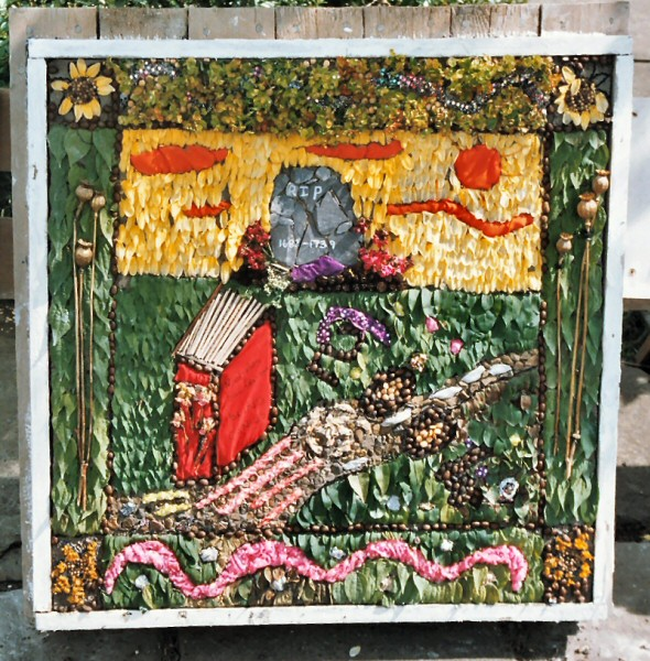 Penistone 2004 - St John's Junior School Well Dressing