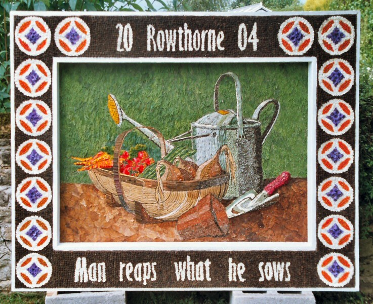 Rowthorne 2004 - Village Well Dressing
