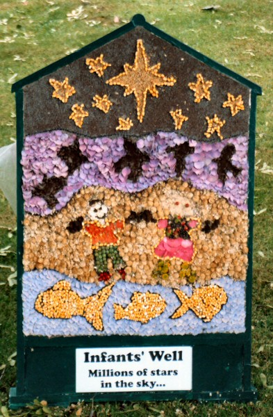 Sutton Lane Ends 2004 - Infants' Well Dressing
