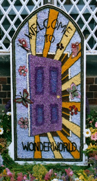 West Hallam 2004 - Scargill School Well Dressing