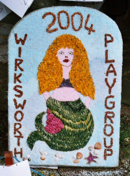 Wirksworth 2004 - Playgroup Well Dressing