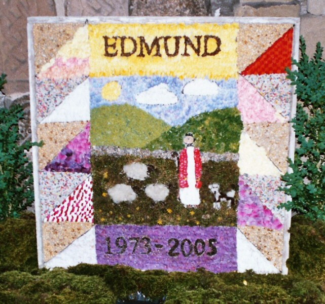 Bakewell 2005 - Explorers' Well Dressing