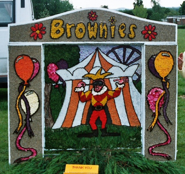 Etwall 2005 - Brownies Well Dressing