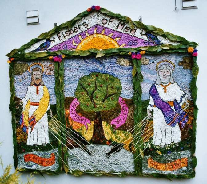 Langley Mill 2005 - Bridge Centre Well Dressing