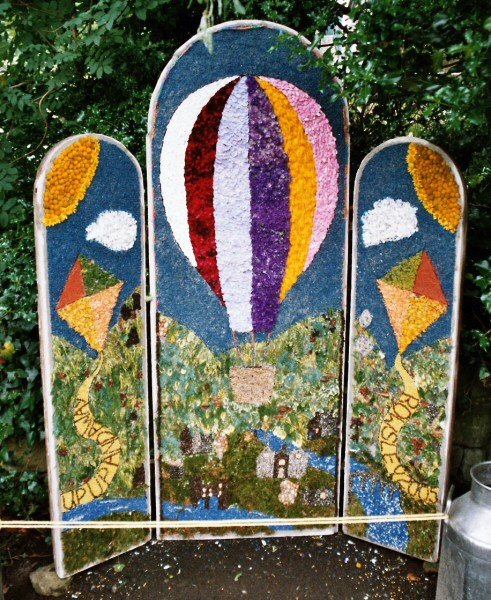 Rowsley 2005 - Primary School Well Dressing