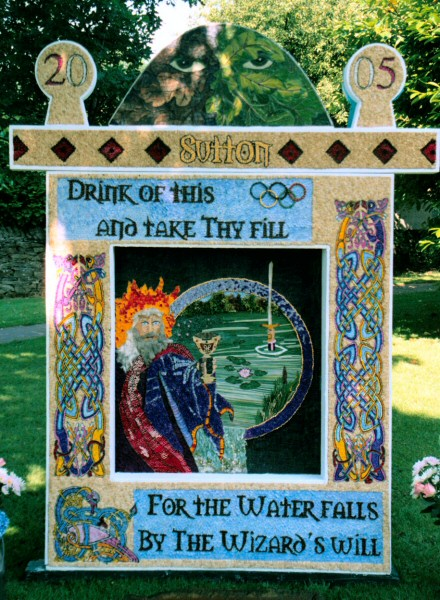 Sutton Lane Ends 2005 - Main Well Dressing