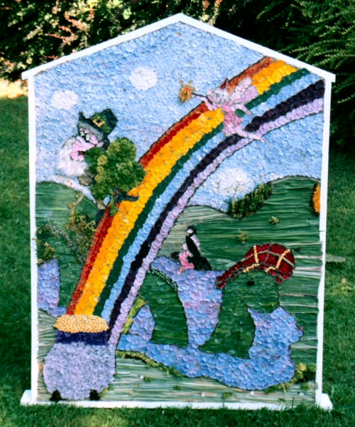 Sutton Lane Ends 2005 - Children's Well Dressing