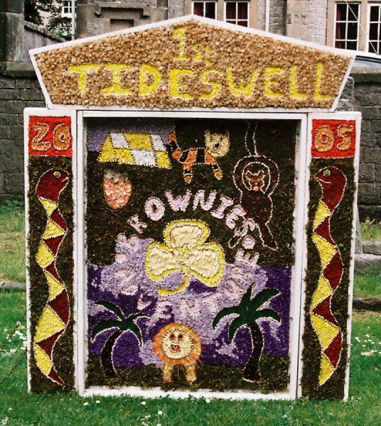 Tideswell 2005 - Brownies Well Dressing