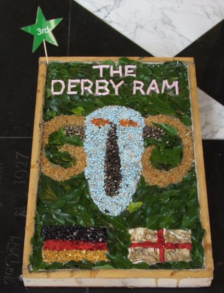 Derby 2006 - St James' CE Junior School Years 5 & 6 Well Dressing (2)