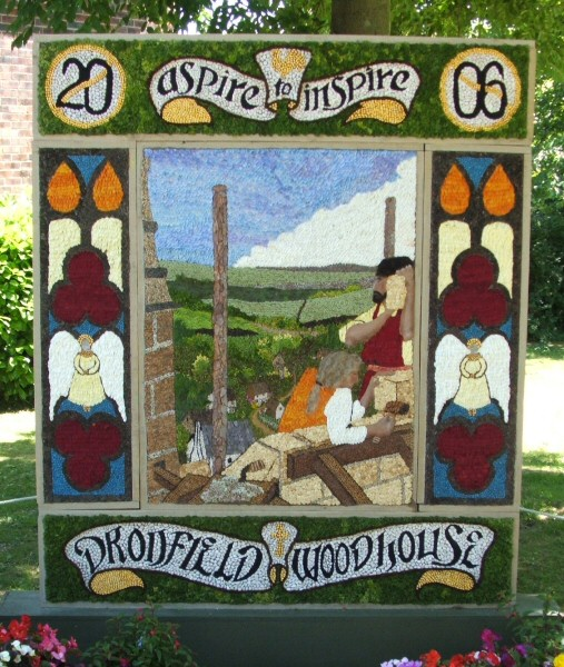Dronfield Woodhouse 2006 - Main Well Dressing
