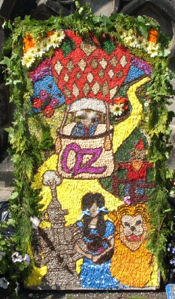 Horsley Woodhouse 2006 - Primary School Well Dressing (1)