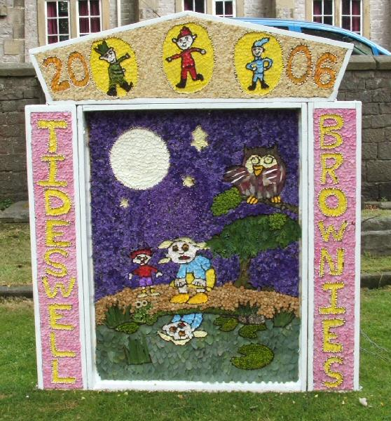 Tideswell 2006 - Brownies Well Dressing