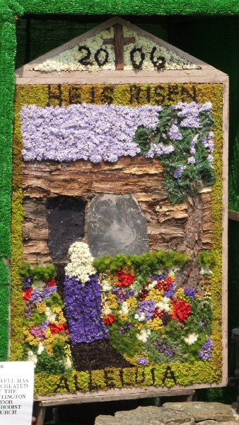Old Whittington 2006 - Clematis Cottage Well Dressing