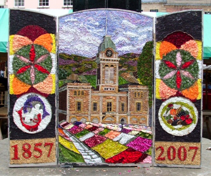 Chesterfield 2007 - Market Place Well Dressing